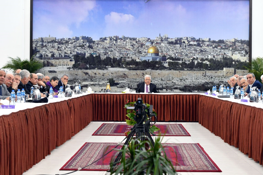 President Mahmoud Abbas chairing the emergency leadership meeting in Ramallah. (WAFA Images / Thayer Ghanayem